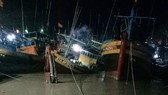 Hàng chục tàu thuyền bị trôi dạt, nhấn chìm do mưa to, lũ quét bất ngờ đổ về.