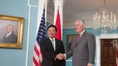Deputy Prime Minister and Foreign Minister Pham Binh Minh meets with Secretary of State Rex Tillerson on his two-day official visit to the country. (Photo: BNG)
