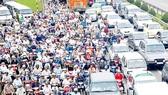 Vietnam now has 49 million motorbikes and 3.2 million automobiles (Photo: SGGP)