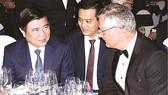 Chairman of HCMC People's Committee Nguyen Thanh Phong talks to Nicolas Audier, chairman of Eurocham (Photo: SGGP)