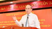 Secretary of HCMC Party Committee Nguyen Thien Nhan delivers a statement at the conference on January 16 (Photo: SGGP)