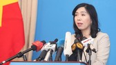 Spokesperson Le Thi Thu Hang answers questions from the media. (Photo: VNA)