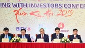 PM Nguyen Xuan Phuc at the conference of investors in Nghe An