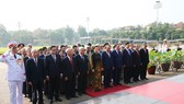A delegation of the Communist Party of Vietnam Central Committee, the President, National Assembly, Government and Vietnam Fatherlands Front paid tribute to President Ho Chi Minh at his mausoleum in Hanoi on May 19 on the occasion of the late President's