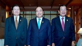 From left: Lao Prime Minister Thongloun Sisoulith, Vietnamese PM Nguyen Xuan Phuc and Cambodian PM Hun Sen before the working session in Bangkok on June 23 (Photo: VNA)
