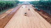 Delays in completion of key transport projects