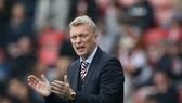 HLV Moyes từ chức tại Sunderland.