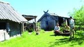 Các tình nguyện viên đóng vai cư dân làng Viking