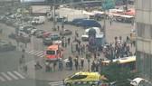 Cảnh sát phong tỏa hiện trường vụ đâm người tại Quảng trường Puutori ở TP Turku, Phần Lan, ngày 18-8-2017. Ảnh: LEE HILLS