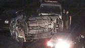 VIDEO: Lật xe ô tô trên cao tốc Pháp Vân - Cầu Giẽ, giao thông ùn tắc