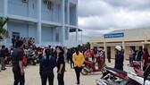 Hàng trăm giáo viên hợp đồng ở huyện Krông Pắk bức xúc khi nghe tin  sẽ bị cắt hợp đồng giảng dạy