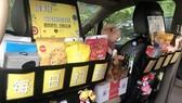 Cửa hàng di động trên xe taxi