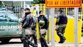 Lực lượng an ninh Argentina tuần tra trên đường phố Buenos Aires, Argentina