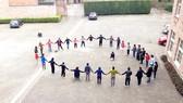 Một hoạt động nhằm hỗ trợ trẻ em tị nạn sớm hòa nhập  cộng đồng