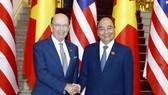 Thủ tướng Nguyễn Xuân Phúc đã tiếp Bộ trưởng Thương mại Hoa Kỳ Wilbur Ross