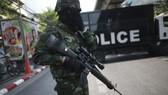 Cảnh sát Thái Lan bắt tay súng xả đạn ở Bangkok
