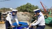 Quân chủng Hải quân cung cấp gần 5 triệu lít nước sinh hoạt cho  vùng hạn mặn Tây Nam bộ