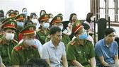 Xét xử vụ gian lận thi cử ở Hòa Bình: Kẻ ngoan cố, người hối hận