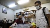 Cử tri Syria bỏ phiếu tại một điểm bầu cử ở Damascus, ngày 19/7/2020. Ảnh: AFP/TTXVN