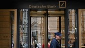 Một chi nhánh của Deutsche Bank tại New York, Mỹ. Ảnh: AFP/TTXVN