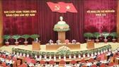 Ngày làm việc thứ ba Hội nghị Trung ương lần thứ 14: Thảo luận dự thảo Quy chế làm việc và Quy chế bầu cử Đại hội XIII của Đảng