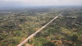 Đường cao tốc giúp vận chuyển hàng hóa giữa các vùng trở nên thuận lợi hơn