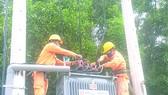 Điện lực Tân Uyên (Công ty Điện lực Bình Dương) nhanh chóng hoàn thành thi công lắp đặt trạm biến áp cấp điện  cho Nhà máy sản xuất oxy