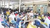 Quá tải bệnh nhân đến khám bệnh tại Bệnh viện Ung bướu TPHCM