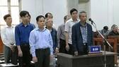 9 bị cáo trong vụ án làm vỡ đường ống nước sông Đà nhiều lần chỉ phải nhận mức án khá nhẹ