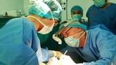 Lần đầu tiên Việt Nam ghép phổi thành công từ người cho chết não
