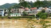Bác sĩ giết vợ phi tang xác xuống sông, thi thể nghi trôi sang Trung Quốc