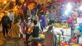 Khởi tố, tạm giam 3 kẻ cưỡng đoạt tài sản ở chợ Long Biên