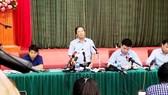 """Nước sạch ở Hà Nội bốc mùi """"khét"""" lạ thường- Doanh nghiệp coi thường sức khỏe người dân"""
