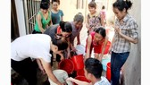 Lập 3 đoàn lưu động xét nghiệm nước tại 6 quận huyện ở Hà Nội
