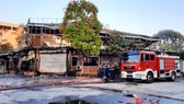 """""""Bà hỏa"""" thiêu rụi quán ăn, 4 người thiệt mạng"""