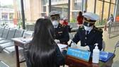 Bắt buộc người nhập cảnh từ Trung Quốc phải khai báo y tế