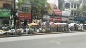 """Hà Nội """"ngộp thở"""" thở vì rác thải: Chính quyền chậm trễ, người dân bức xúc"""