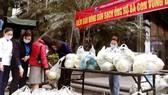 Một điểm bán nông sản của bà con nông dân vùng dịch Hải Dương tại Hà Nội