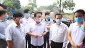 2 công nhân ở Khu Công nghiệp Thăng Long dương tính với SARS-CoV-2, khoanh vùng 3 cấp độ