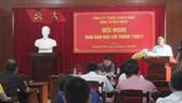 Ông Nguyễn Thái Sơn, Trưởng Ban Tuyên giáo Tỉnh ủy tỉnh Thừa Thiên – Huế chủ trì Hội nghị giao ban báo chí thường kỳ tháng 7-2017.