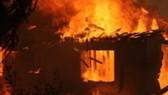 Vụ cháy nhà khiến 3 bố con chết thương tâm nghi do nạn nhân T. châm lửa đốt 