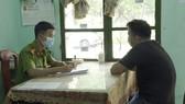 Công an đang làm việc với tài xế Nguyễn Văn Hùng