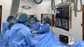 Lần đầu Bệnh viện Trung ương Huế phẫu thuật Hybird cho bệnh nhi tim bẩm sinh phức tạp ở Việt Nam 