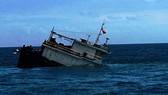 Cứu hộ thành công 11 thuyền viên bị chìm tàu