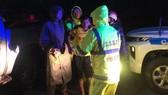 Công an tỉnh Thừa Thiên - Huế giải cứu các nạn nhân bị thương tại thủy điện Rào Trăng 4 vào tối 13-10