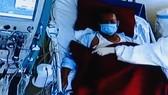 Điều trị cho bệnh nhân Covid-19 bằng thiết bị y tế hiện đại