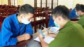 Công an đang đấu tranh với Tuân, Quốc và Thuận 
