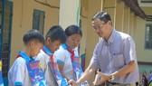 Báo SGGP trao học bổng cho học sinh nghèo hiếu học Bình Phước  