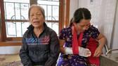 Chị Trần Thị Thanh H. với vết thương đã được băng bó