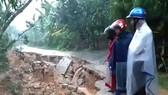 Hiện trường tuyến đường ở thôn Vĩnh Yên (xã Đức Lạng, huyện Đức Thọ, Hà Tĩnh) bị sạt lở